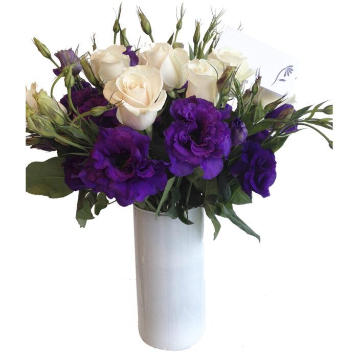 12 Rosas con lisianthus
