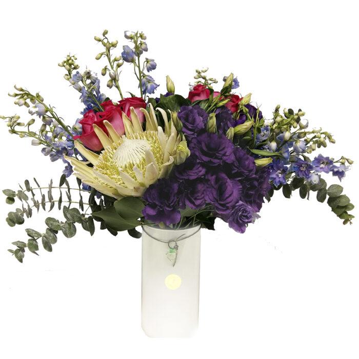 protea y rosas