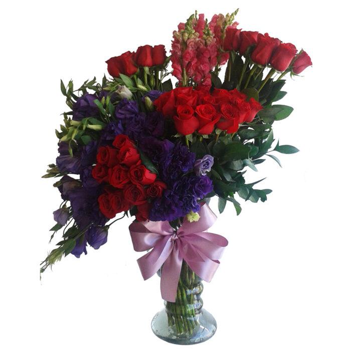 50 rosas co nlisianthus y perrito