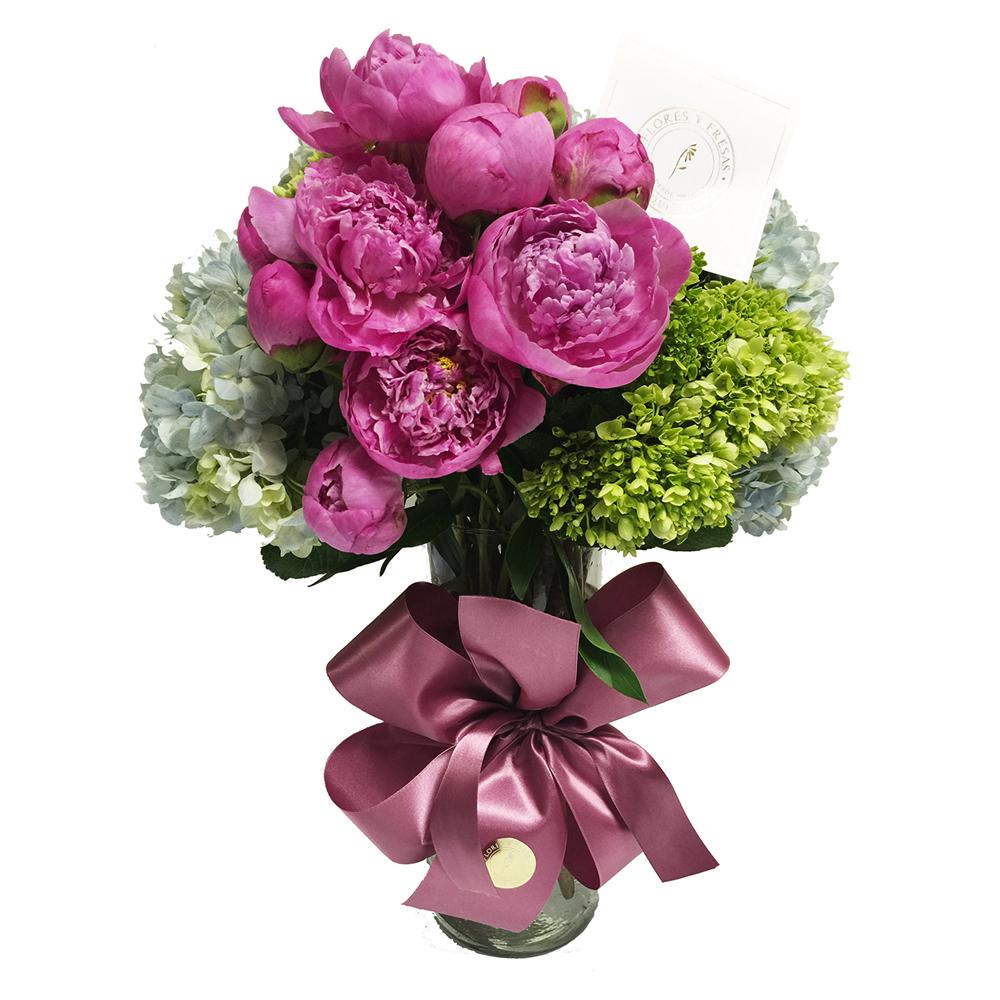 Peonias Flores Y Fresas